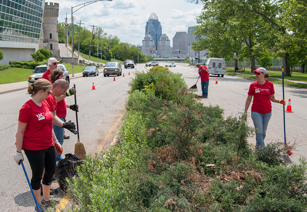 UC Serves in Walnut Hills